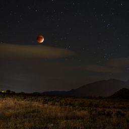 Oddly Beautiful Photos of the Night Sky