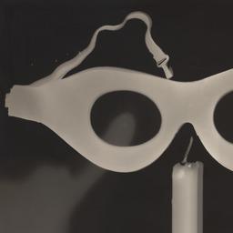 Man Ray (Emmanuel Radnitzky) Rayograph 1924