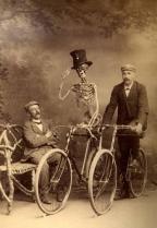 10 Strange Found Photographs