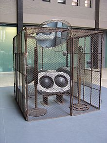 220px-domestic_incidents_by_louise_bourgeois_tate_modern_turbine_hall_2006