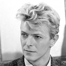 The Sunday Song – Life On Mars by David Bowie